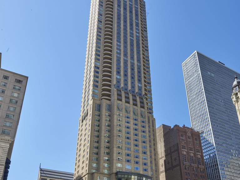 800 N. Michigan Ave., Unit 2303, Chicago, IL